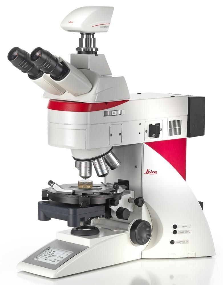 Leica - DM4 P - Seitliche Aufnahme mit Leica Mikroskopkamera DFC